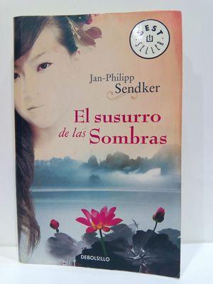 EL SUSURRO DE LAS SOMBRAS / THE WHISPERING SHADOWS (SPANISH EDITION)