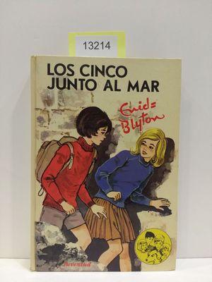 LOS CINCO JUNTO AL MAR
